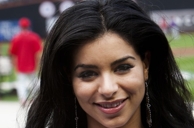 Rima Fakih was the 1st Muslim 'Miss USA' now she is a Christian, wife and mother of 3!